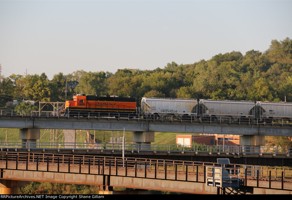 BNSF 2888 Tags along on the end of the Cement city local.