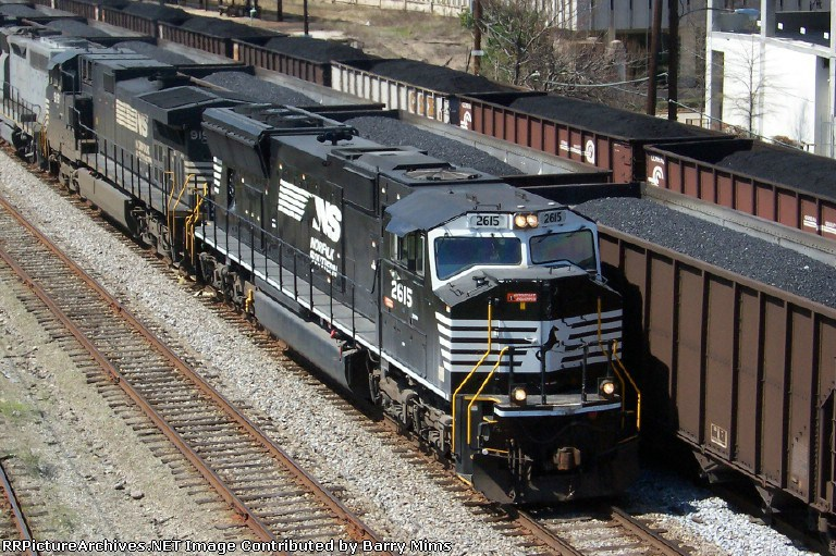 NS 2615 leads northbound train 314 past an NS and CSX coal train.