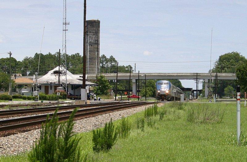 Amtrak 97 pulls up