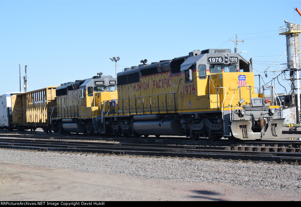UP Engines 1976 and 1405, Des Moines IA