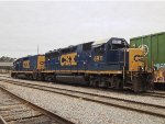 CSX GP40-2 6911 and mate 2303