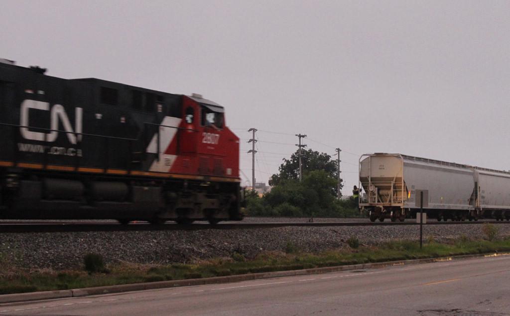 CN 2807