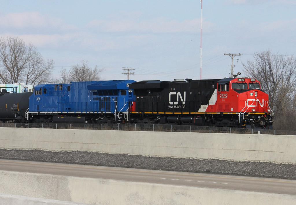CN 2839 -GECX 2036