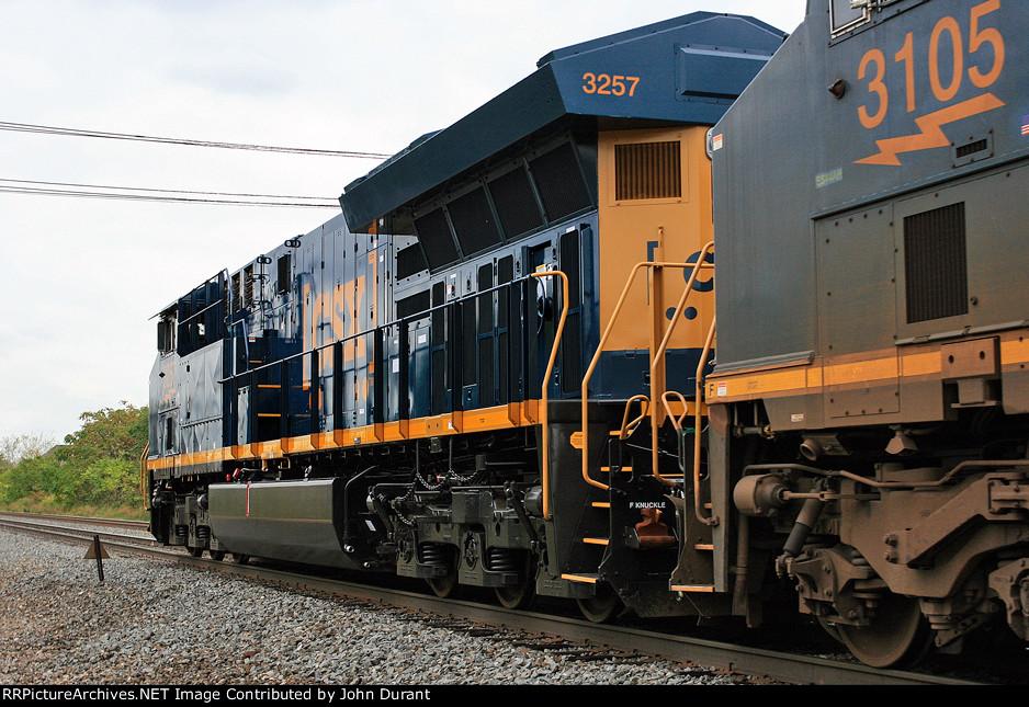 CSX 3257 on Q-438