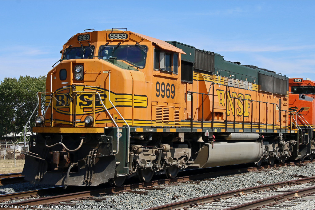 BNSF 9969