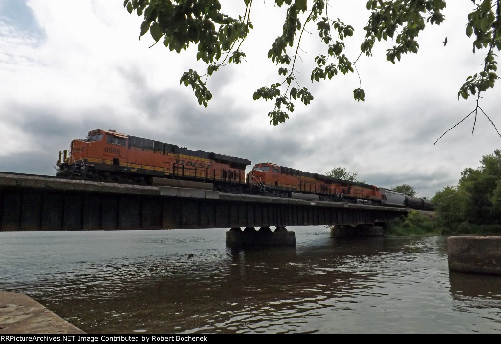 BNSF at Perrot State Park