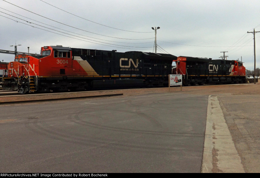 CN 3004 and 2853 at Stevens Point, WI_3-9-17