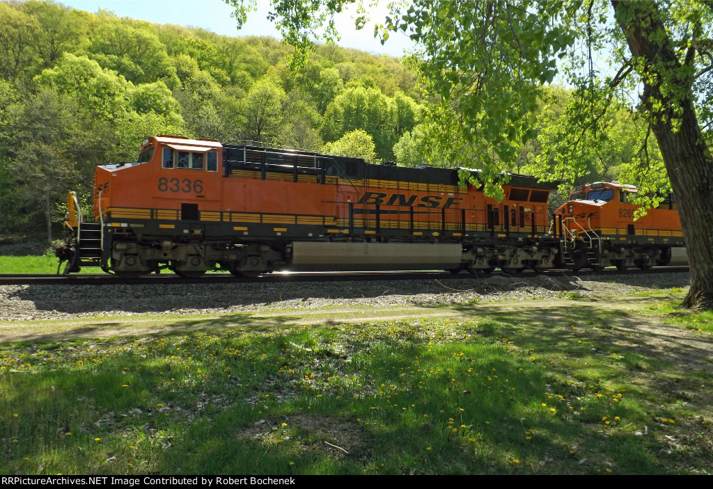 Westbound BNSF freight at Wyalusing, WI_5-3-16