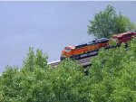 BNSF ore train eastbound at Perrot State Park_7-15-14