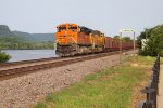 BNSF ore train eastbound at Trempealeau, WI  with 9086 leading_7-1-15