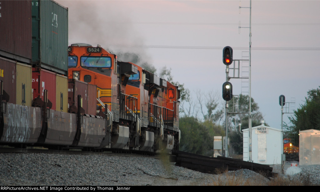BNSF 4183 East; Q-CLOMEM