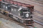 The pair of Deathstars and DMIR 409 have backed down onto an empty taconite train