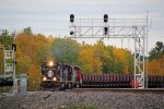 IC 6251 leads the empty taconite train around the broad curve