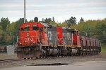 CN 6021 about to lead a loaded taconite train to the Duluth docks