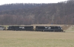 NS 7206 southbound with train 562