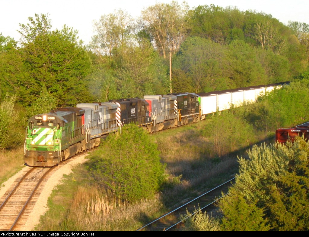 771 starts its long shove back all the way through the yard before heading north