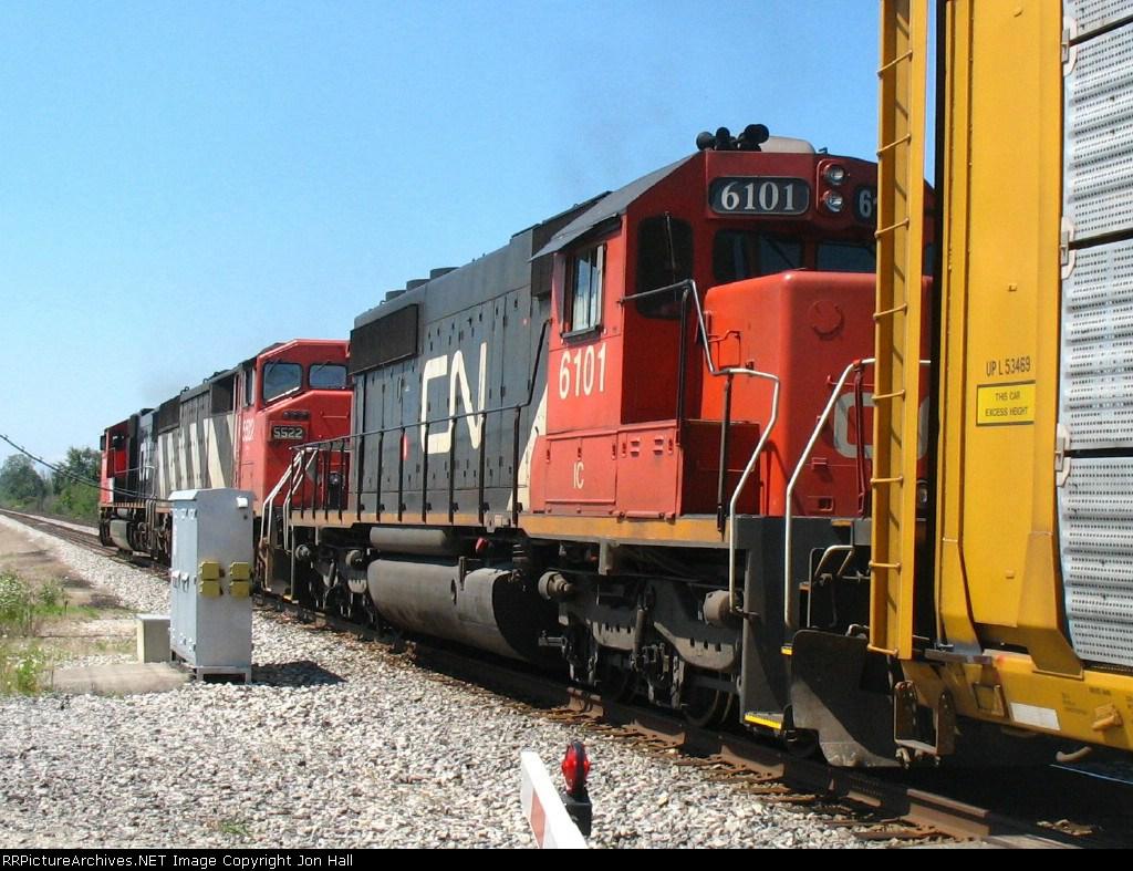 IC 6101 following CN 5522 & 5719