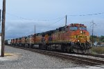 BNSF 4659 leads big lashup north!