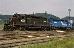 CR SD40 6333 and SD45 6193