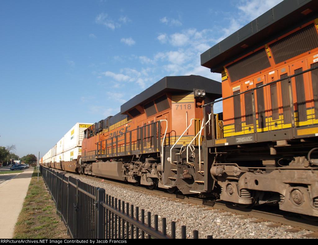 BNSF 7118