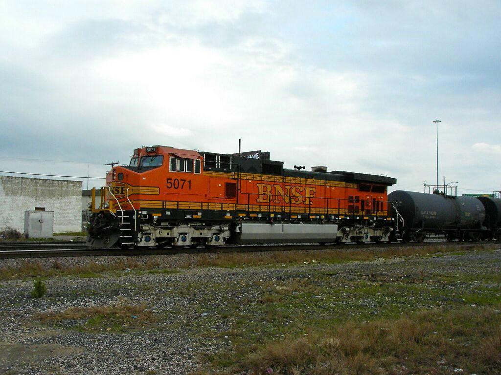 BNSF 5071