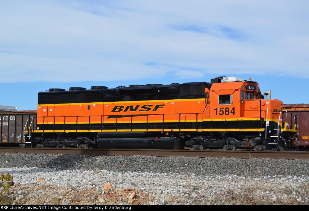 BNSF 1584  at springfield yard