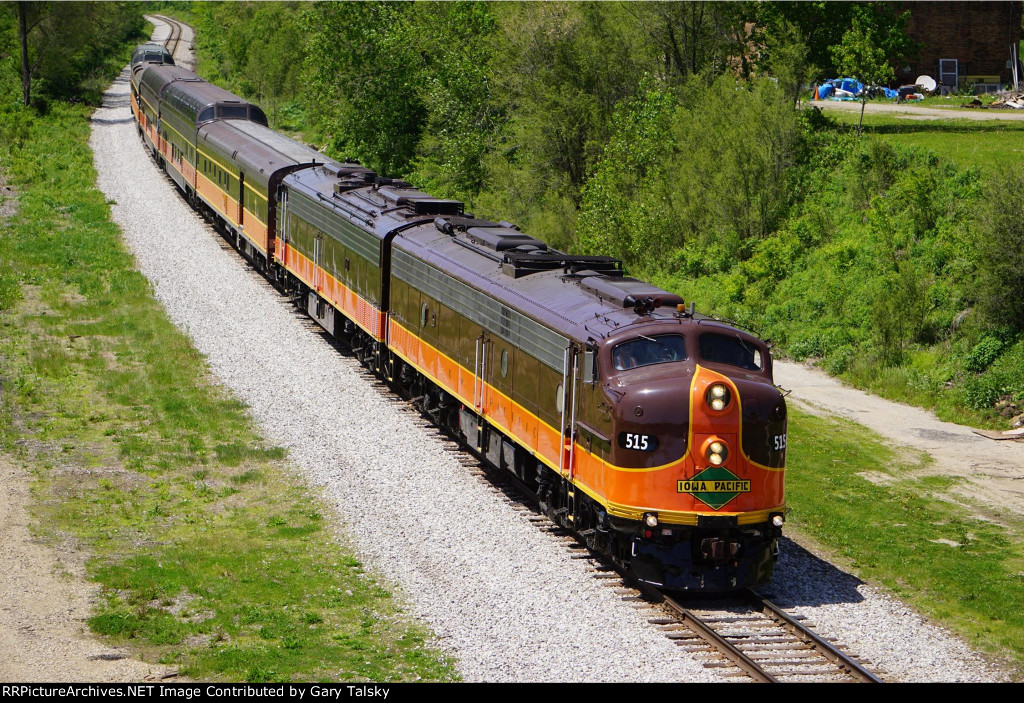 Chicago Railroad Superintendents Association special from LaSalle St Station in Chicago out to Bureau Junction, IL and back on 05/13/2015. Arrived East Bureau at 12:35pm and this is the return trip Eastbound at the Spring Valley, IL bridge facing WB at 13