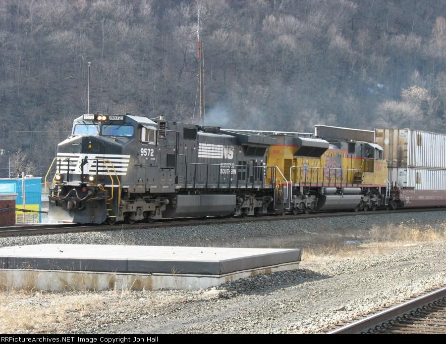 NS 9572 & UP 8314