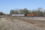 Making its way north on the Hannibal Sub, BNSF 4651 is only a couple miles from crossing into Iowa
