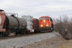 CN 2923 leads the oil loads of U760 south through Rugby
