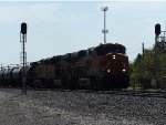 BNSF ES44C4 6913