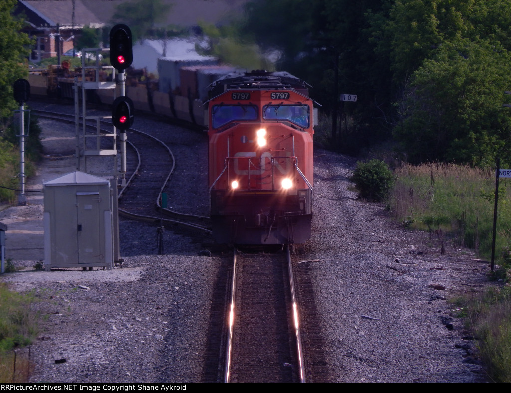 CN 5797 under the bridge
