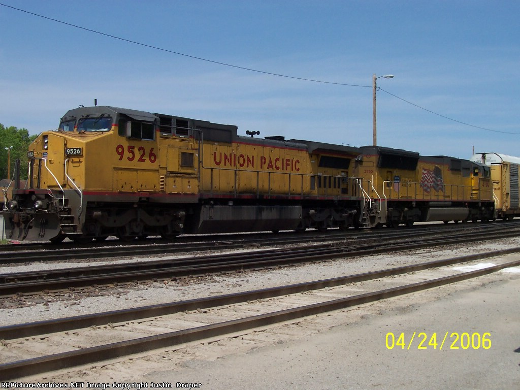 UP 9526 & UP 3780