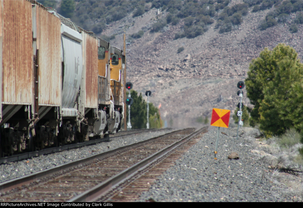 Eastbound empty grain train approaching east Truckee crossover