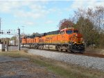 BNSF 6315 leads NS 736 on a sunny Fall day