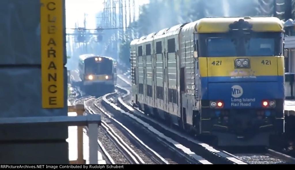 LIRR Railfanning @ Mineola 7 13 11 PM Rush Hour