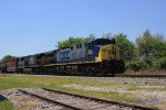 CSX 486 leads a northbound