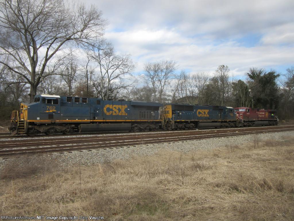 CSX 762 & CSX 4553 & CP 8641