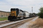 CSX 4050 brings D707-20 into town on Track 1