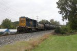 CSX 6522 rolls east with Y106