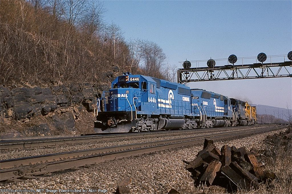 CR SD40-2 6446 and SD45 6134