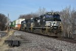 NS 9539 Heads east with 21T in tow.