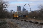 UP 4276 Leads a freight while the Arch looms in the back ground.