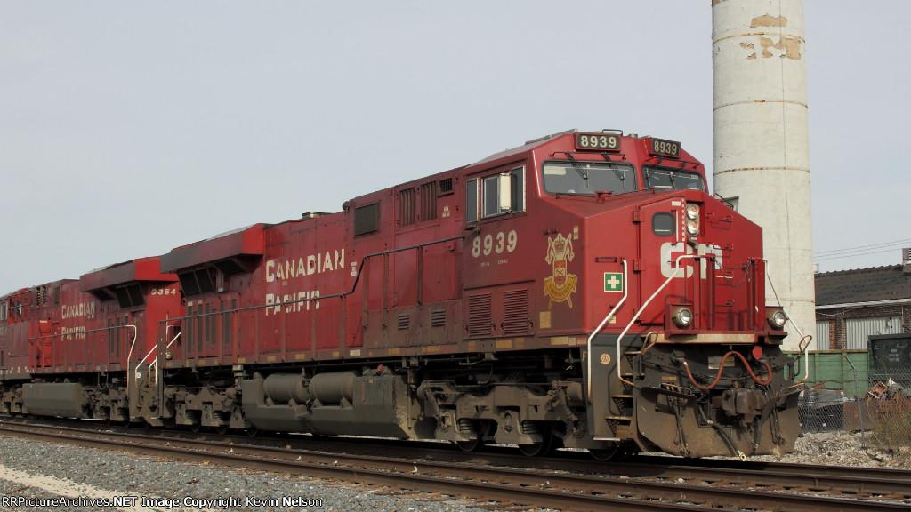 CP 8939 ES44AC