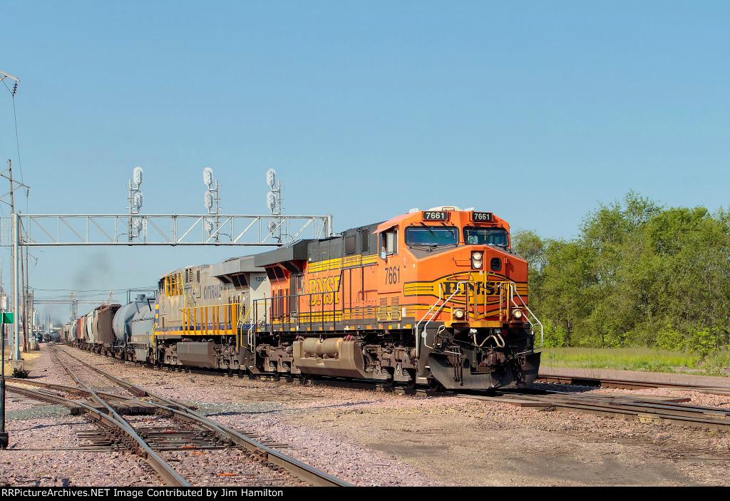 BNSF 7661 North