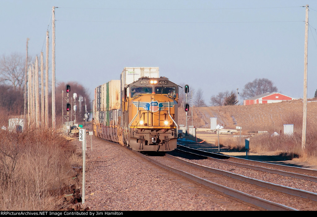 UP 4062 East