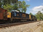 CSX GP40-2 6986 and mate layover