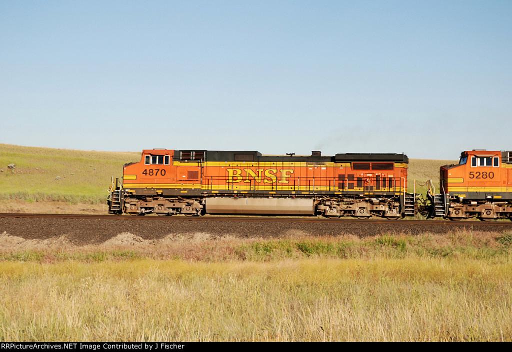 BNSF 4870