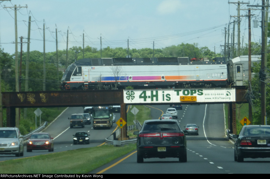 "NJ Transit ALP45DP 4530 pushes Raritan Valley Line train 5742 over the ""4-H"" Bridge on U.S. Route 202"
