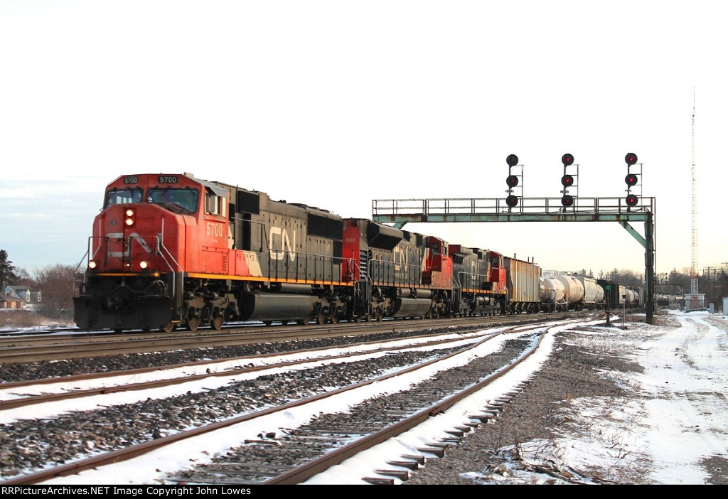 Westbound mixed freight train #393
